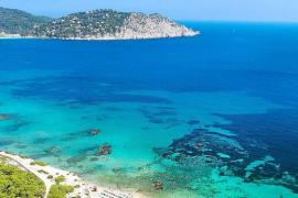 Sant Josep y Sant Joan se quedan sin banderas azules en sus playas