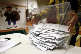 El PP, PSOE y Podemos pierden apoyo y sube Ciudadanos, según el CIS