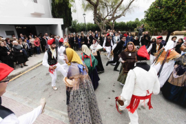 Puig d'en Valls rinde homenaje a sus mayores