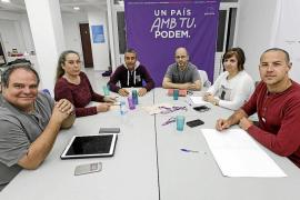 Optimismo y prudencia entre PSOE y Podemos para trabajar en una confluencia al Senado