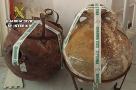 Recuperadas en Menorca dos ánforas del siglo II expoliadas