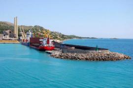 Desciende por primera vez la importación de carbón a través del puerto de Alcúdia