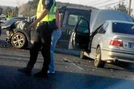 Un herido leve en un accidente en la carretera de Santa Eulària