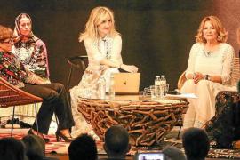 La «revolución» de la moda ibicenca, a debate en Can Jeroni