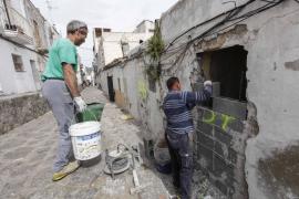Un muro de 2,5 metros de altura rodeará todo el bloque de las viviendas desalojadas de Sa Penya