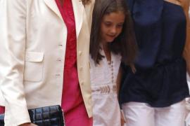 La princesa Letizia y la infanta Elena, juntas en el teatro