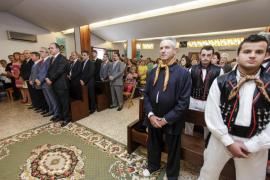 Los vecinos de Puig d'en Valls se visten de gala