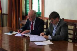 Montuïri y Fundatur firman un convenio para la rehabilitación de las casas de Son Fornés