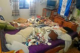 Unos ladrones roban y dejan «patas arriba» una casa de Santa Agnès