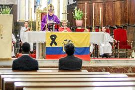 Eivissa muestra su solidaridad con el pueblo ecuatoriano tras el terremoto
