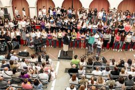 200 voces jóvenes en el 'claustre'