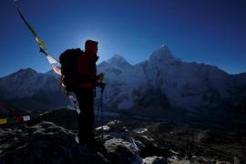 Al menos 3 muertos y 30 heridos en la nueva temporada de escalada en el Everest