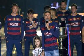 El Barça festeja el doblete con 'recados' a Madrid y rodeados de barcelonismo y catalanidad