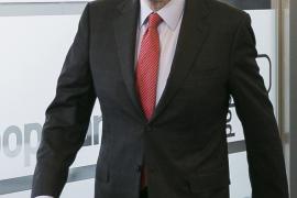 Rajoy promete a Bruselas nuevos recortes tras las elecciones