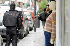 La Policía Nacional detiene a dos hombres en Vila acusados de explotación sexual y amenazas