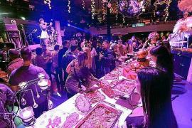 Pacha celebra su fiesta de 43 cumpleaños