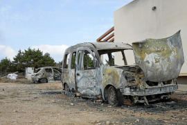 Arden dos coches más en Formentera y la suma asciende ya a ocho desde enero