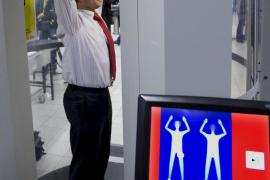 Los expertos en seguridad aérea de la UE estudian el uso de escáneres corporales