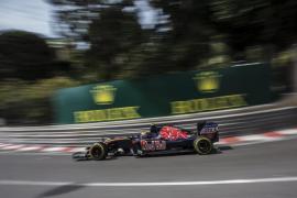 Ricciardo supera a los Mercedes en los libres del GP de Mónaco