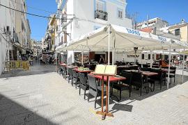 Vila estudiará la ocupación de las terrazas en el puerto y podría cambiar el PEPRI