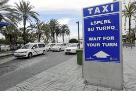 Todos los taxis estacionales no podrán empezar el día 1 de junio por el retraso en las listas