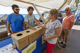 Santa Eulària celebra su Día sin Humo en la primera playa sin humos de Balears