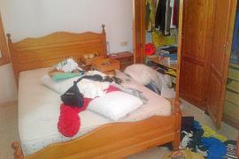 Investigan el robo de joyas y un coche en una casa de Sant Josep