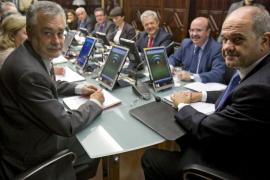 El juez procesa a Chaves y Griñán y a seis exconsejeros por el fraude de los ERE