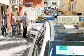 Los taxis de refuerzo se retrasan por el «caos» en el reparto de licencias
