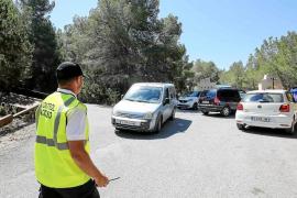 Cala Salada estrena la restricción de vehículos