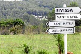 Las víctimas de robos reclaman al Defensor del Pueblo más seguridad para Eivissa