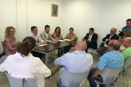 Vila y Sant Josep se coordinarán para mejorar los servicios en Platja d'en Bossa