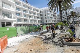Un hotel paga 100.000 euros para reparar parte del paseo de ses Figueretes