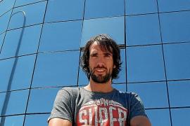 Jordi Grimau: «La gente no relaciona Ibiza con el baloncesto»