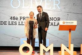 Maria Antònia Oliver recoge el Premi d'Honor de les Lletres Catalanes