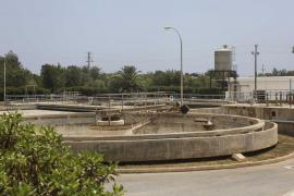 El Consell d'Eivissa ordena trasladar a la península los lodos de las depuradoras