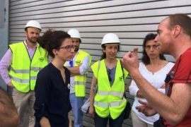 Sandra Espeja, Catalina Maria Canals y Paola van Gent en el incendio de la planta de Tirme