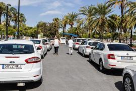 Los 40 taxis estacionales de Sant Antoni todavía no han podido empezar a trabajar