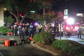 «Víctimas en masa» en un tiroteo en un club gay de Orlando