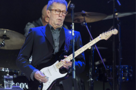 Eric Clapton padece neuropatía periférica con pérdida de equilibrio y coordinación