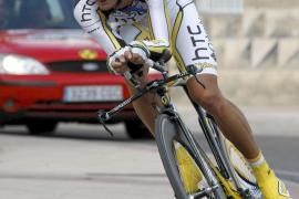 Velits vence en la contrarreloj y Nibali recupera el liderato