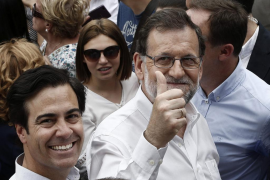 Rajoy defiende en Navarra las diputaciones provinciales