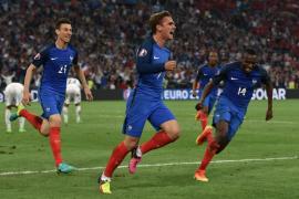 Griezmann y Payet evitan el ridículo a Francia, que pasa a octavos