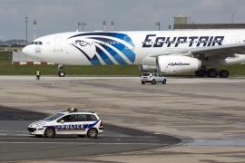 Encuentran la segunda caja negra del avión de Egyptair siniestrado en mayo
