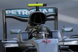 Rosberg, más líder tras ganar en el estreno de Baku