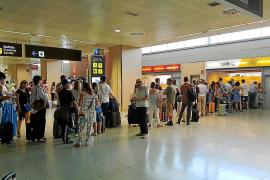 Vueling deja en Eivissa a los pasajeros de un vuelo cancelado minutos antes de despegar