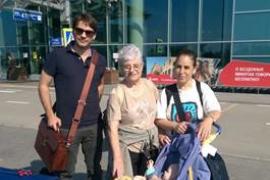 Teresa Gregorio y su hija regresan esta tarde a Ibiza después de un año de calvario en Moscú