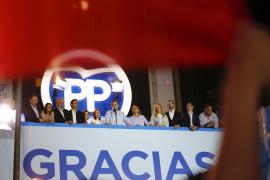 Rajoy hablará primero con el PSOE para intentar formar la gran coalición