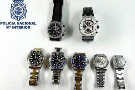 La Policía Nacional detiene a 4 napolitanos por el robo de un reloj valorado en 19.000 euros en Vila