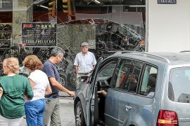 Una imprudencia origina un aparatoso accidente que colapsa Ignasi Wallis